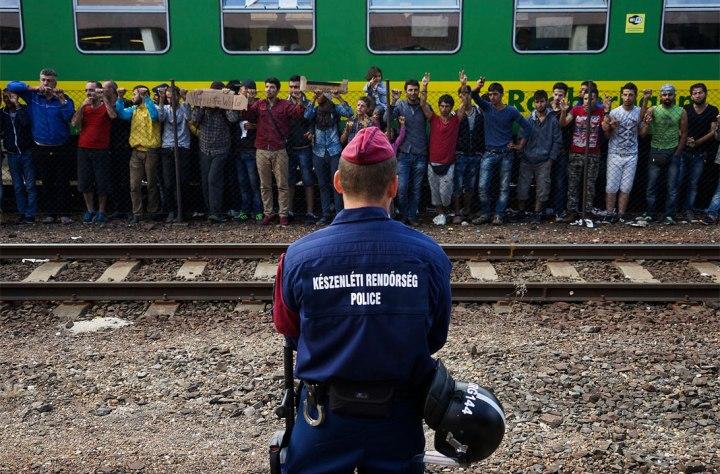 syrian_refugees_budapest_keleti_4_sep_2015