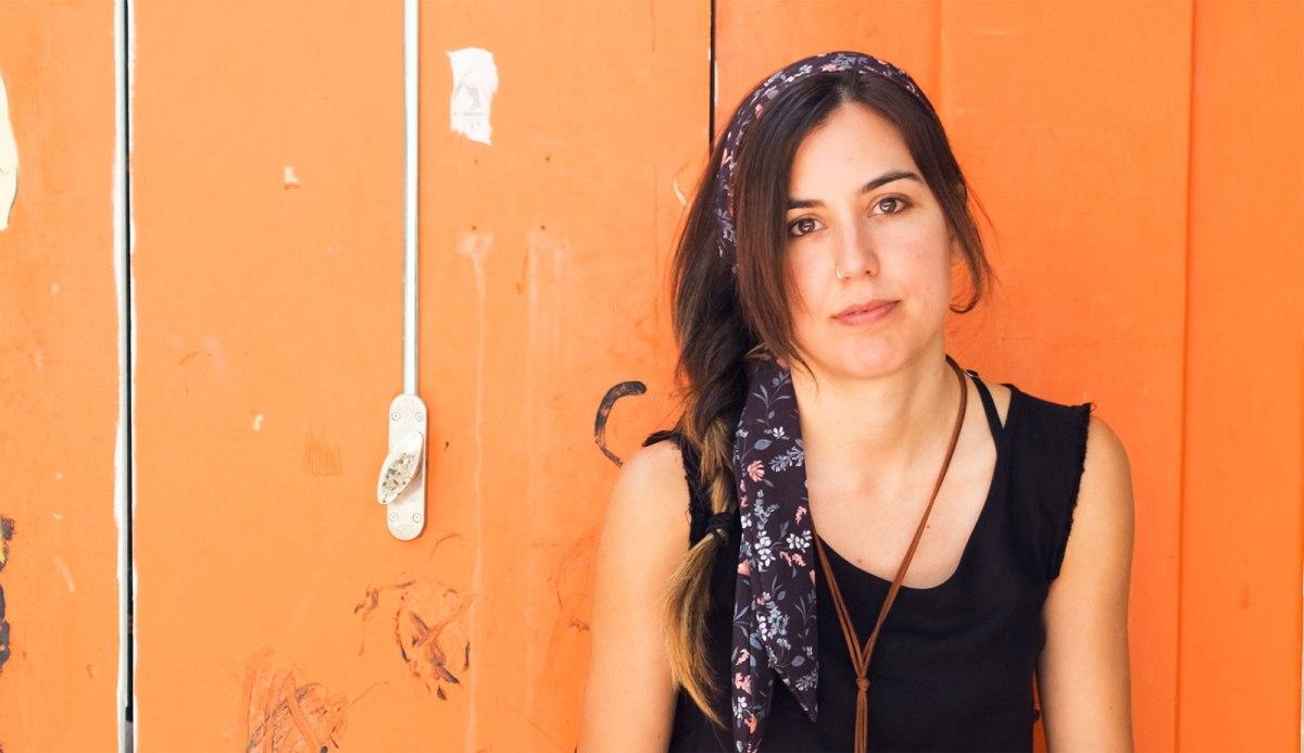 Sara Cordón: «Cuando migras eres muy consciente de tu orfandad; cambia tu concepto de familia»